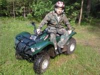 квадроциклы в лесу