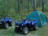 палаточный отдых от активной прогулки на квадроциклах