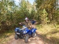 прокатиться на квадроцикле по лесу - одно удовольствие